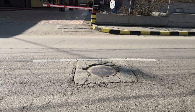 Cursă cu obstacole. Capacele de canalizare, pericolul de pe străzile Constanței - fondcapacecanalizare8-1615737309.jpg