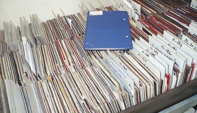 """Cărți de muncă """"uitate"""" la ITM. Cum își pot recupera angajații vechimea - fondcartidemunca1-1610900594.jpg"""