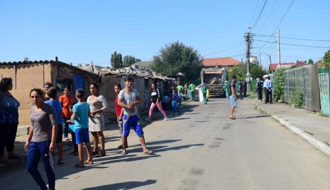 Focar de infecţie în cartierul Palas.  Cine şi de ce i-o fi adus pe romi acolo…