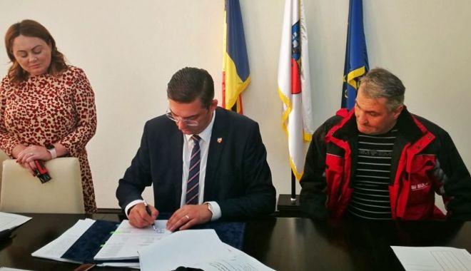 """Foto: Horia Țuțuianu, de la CJC: """"Cetatea Carsium va fi redată circuitului turistic cât mai curând"""""""