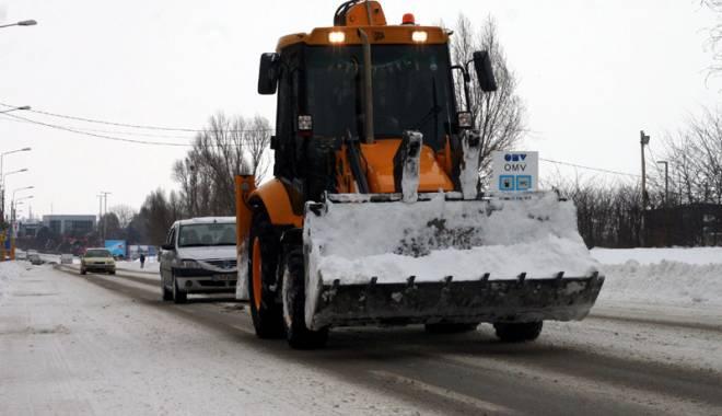 """Foto: Cine va scoate judeţul Constanţa din zăpadă? Regia de Drumuri, """"paralizată"""" de ANAF"""