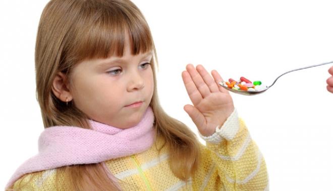 Foto: Ce mare pericol îi paşte pe copiii care  iau antibiotice, deşi nu este necesar
