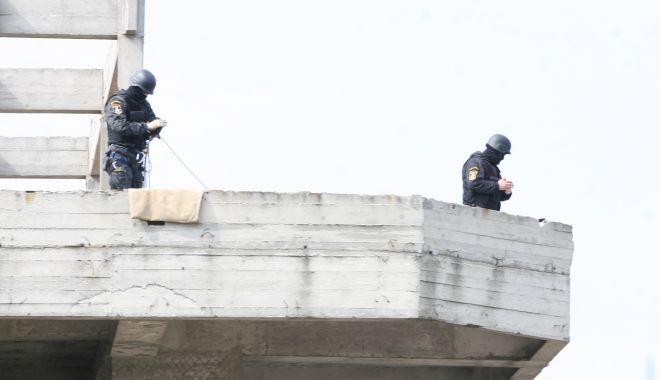 Fără coborâri în rapel pentru polițiști! Intervențiile în forță, permise doar pe scări! - fondcoborarerapel3-1616696806.jpg