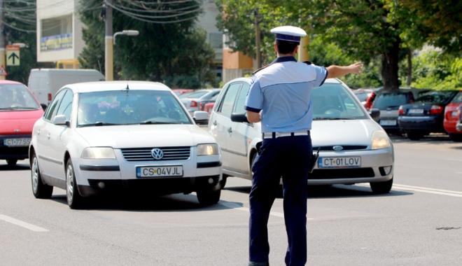 Foto: TÂNĂR DIN CONSTANŢA, APROAPE DE COMĂ ALCOOLICĂ LA VOLAN. Două victime, în urma accidentului provocat