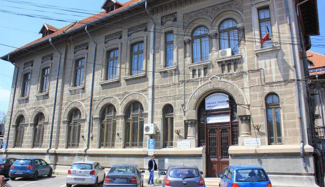 """Au fost odată în bănci, iar astăzi contribuie la înalta performanță a Colegiului """"Mircea cel Bătrân"""" - fondcolegiulmircea1-1622128110.jpg"""