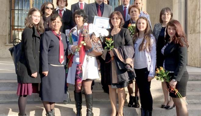 Foto: Constan�a are cu ce se m�ndri: 28 de profesori �i elevi premia�i de Guvernul Rom�niei