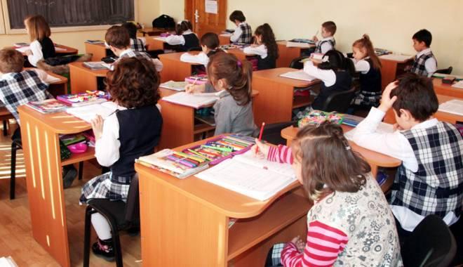 Foto: Cum a rămas Constanţa corigentă la capitolul educaţie