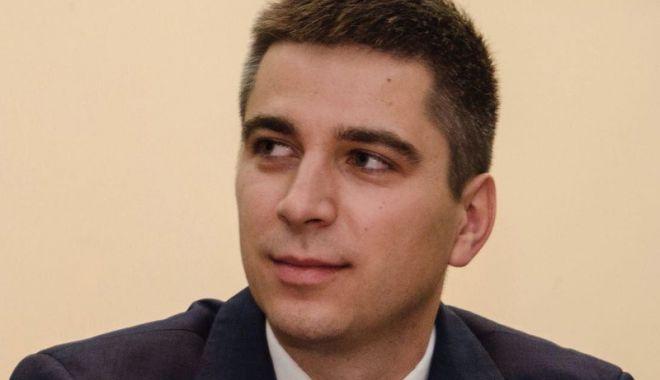 PNL Constanța a dat startul campaniei electorale. Cine vrea să fie primarul Constanței - fondcosminsava-1544029625.jpg