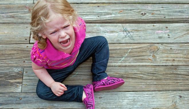 Foto: De ce apar crizele de furie la copii şi cum pot părinţii să le calmeze