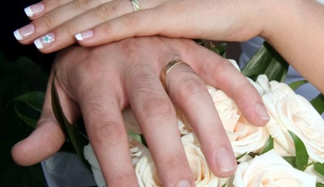 Când se pot oficia căsătorii în regim de urgență? - fonddialog-1333122776.jpg