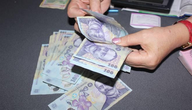 Foto: Bani falşi plasaţi pe piaţă în Constanţa. DIICOT a luat urma falsificatorilor