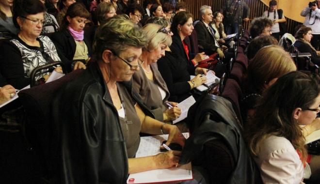 Foto: Directori schimbaţi din funcţie de inspectorul general Gabriela Bucovală
