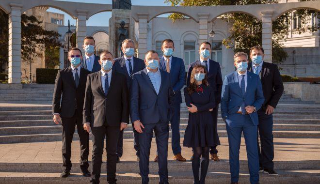Propunerile PNL Constanța pentru Parlament: profesioniști care pot construi un viitor mai bun pentru români - fondechipapnl-1606843160.jpg