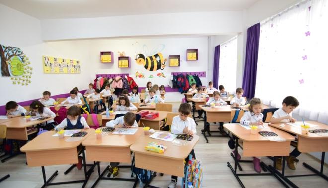 Foto: Emoţii mari pentru micii şcolari de învăţământ primar. Vin Evaluările Naţionale!