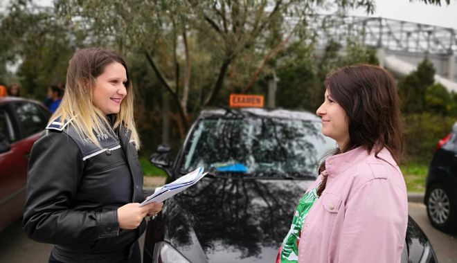 Viitorii șoferi ai Constanței, testați de o tânără de 28 de ani.