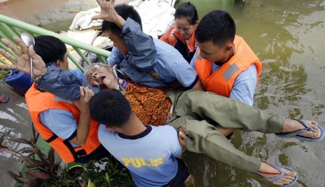 Foto: Dezastru �n Filipine, �n urma taifunului Haiyan. Peste 1.200 de persoane au murit
