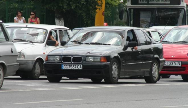 """Foto: Cum �i mai ales c�nd sc�p�m  de """"gioarsele"""" �nmatriculate �n Bulgaria"""