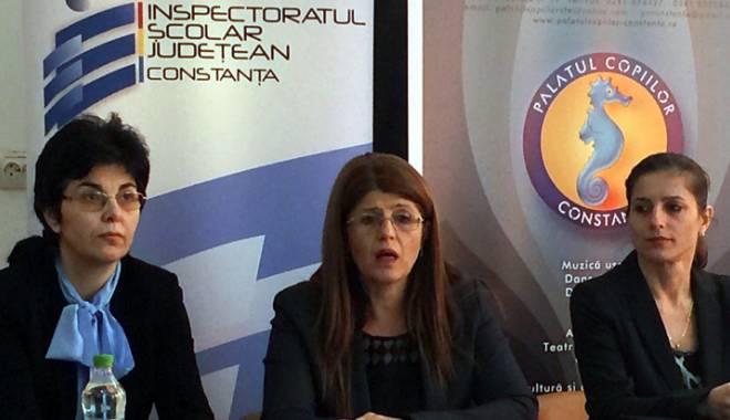 Foto: Cum luptă Gabriela Bucovală cu dezastrul de la examenele naţionale