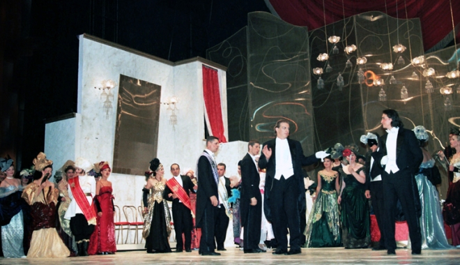 Foto: Melomanii constănţeni, aşteptaţi la Gala extraordinară de operă