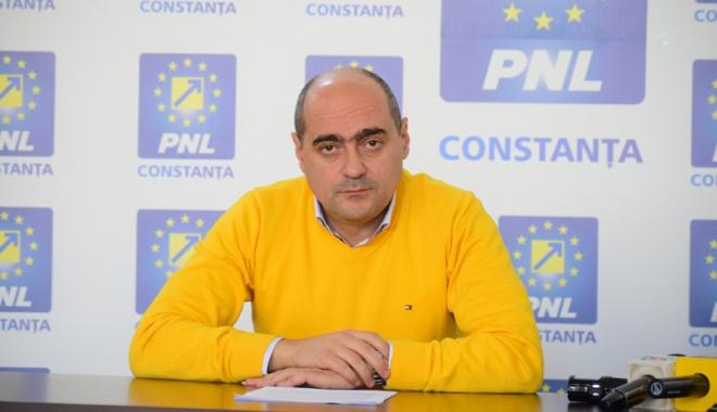"""Foto: Liderul PNL Constanţa, George Muhscină: """"Niciun leu în plus la taxele constănţenilor"""""""
