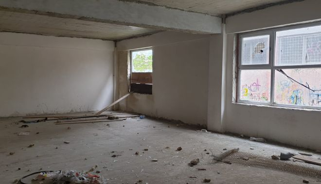 Situaţie revoltătoare, la Constanţa. Grădiniţă nou-nouţă, abandonată de 13 ani - fondgradinitanoua3-1614974020.jpg