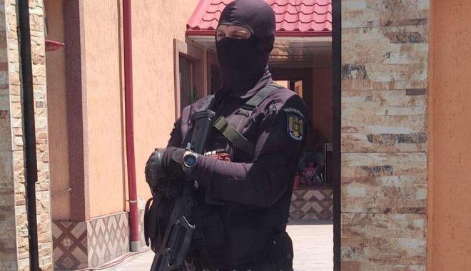 Grupare infracţională de migraţie ilegală, destructurată de poliţiştii de frontieră - fondgrupare1-1623693000.jpg