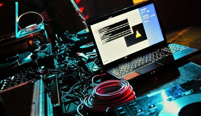 Cum să te fereşti de hackeri. Infractorii online cer bani mulţi pentru recuperarea fişierelor - fondhackeri1-1519828079.jpg