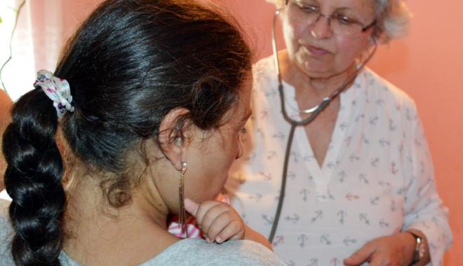 Foto: Copii perfect sănătoşi născuţi din mame seropozitive.  HIV-ul poate fi ţinut sub control