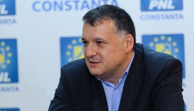 """Bogdan Huţucă, reconfirmat preşedinte al PNL Constanţa. """"Vă puteţi baza întotdeauna pe mine!"""" - fondhutuca2-1627409636.jpg"""