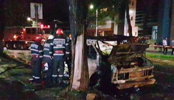 Fetiţă arsă de vie, după ce o rulotă a luat foc în trafic. Incendiul a fost urmat  de o explozie