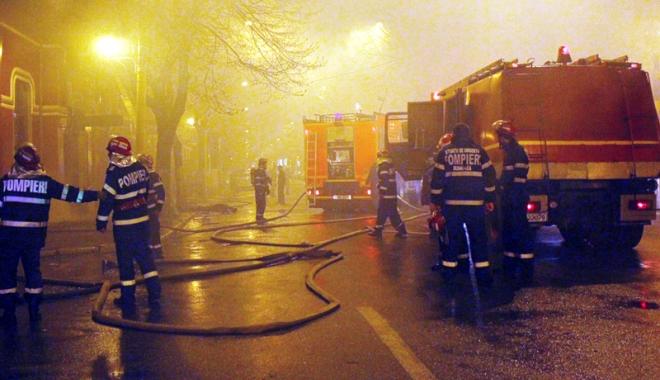 """Foto: Un nou caz """"Beirut"""" pare inevitabil.  Avizul la incendiu, o raritate la Constanţa"""