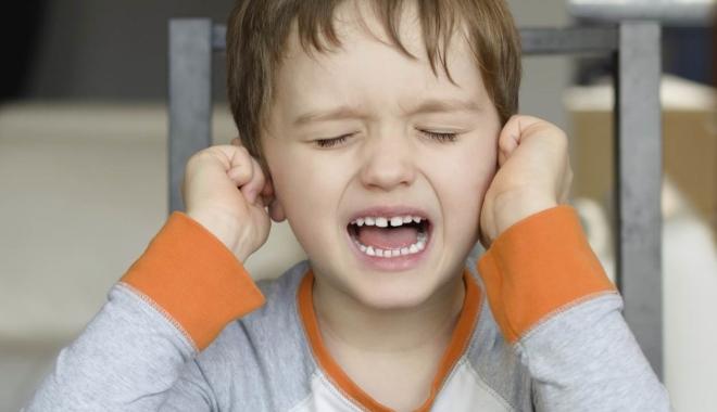 Foto: Infecţiile urechii, la copii. Cum se depistează şi ce tratamente se impun