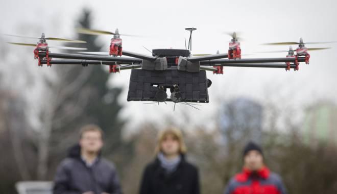 Invazia dronelor. Sunt sau nu interzise de lege? - fondinvaziadronelor1-1422198454.jpg