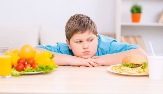 Foto: Cinci paşi pentru tratarea obezităţii la copii