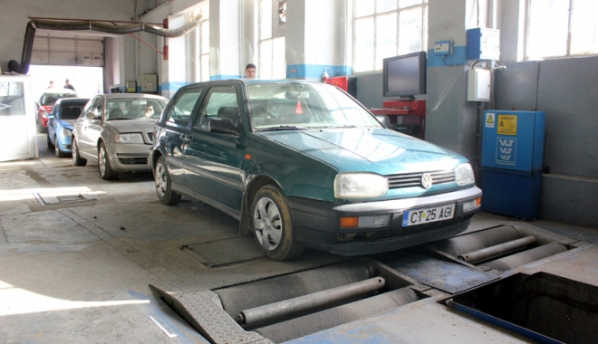 Foto: Şoferi, schimbări importante la efectuarea ITP. Care sunt clasele de defecţiuni  şi cum puteţi rămâne cu maşina pe bară