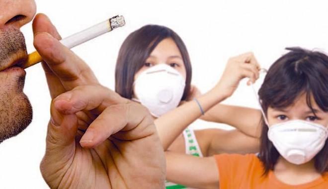 Foto: Le este interzis fumătorilor să aibă grijă de copiii altora?
