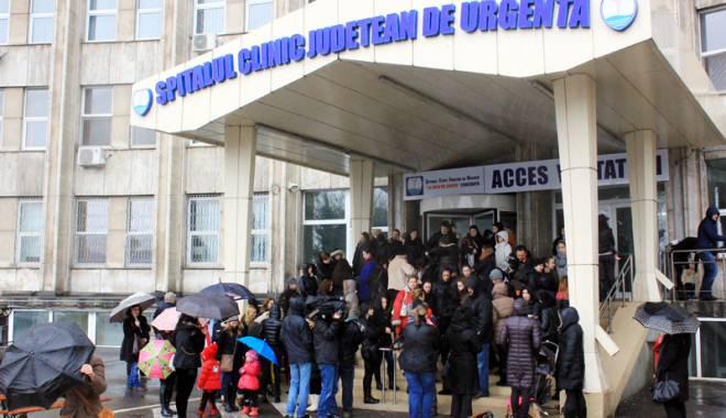 """Foto: Dezastrul din Pediatria Spitalului Judeţean: """"Cum să mori din cauza unei răceli?"""""""