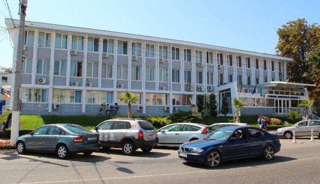 Primăria Mangalia ia în calcul demolarea garajelor și amenajarea unor parcări de reședință - fondmangaliaparcari-1518800634.jpg
