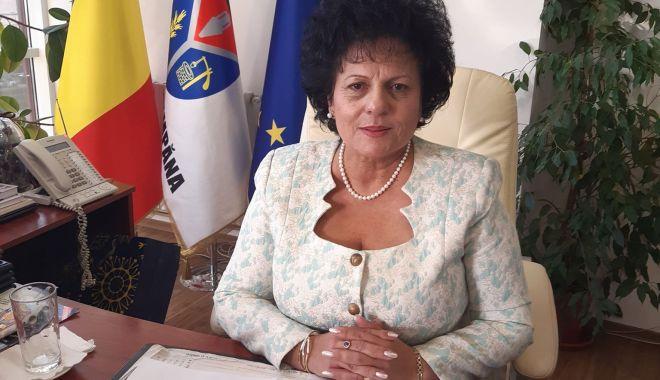 """Primarul Mariana Gîju: """"A fost inaugurat centrul de vaccinare anti-COVID din comuna Cumpăna"""" - fondmarianagaju-1614625688.jpg"""