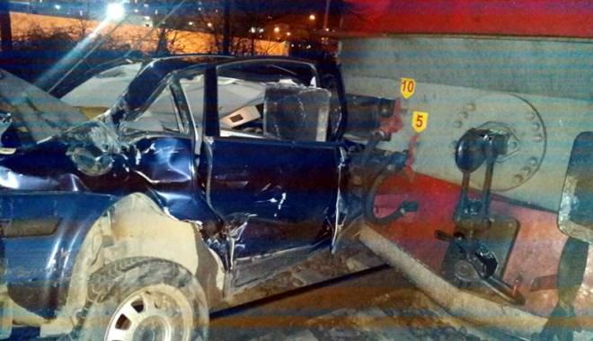 Foto: Maşină spulberată de tren, la Constanţa / A FOST ARESTAT!