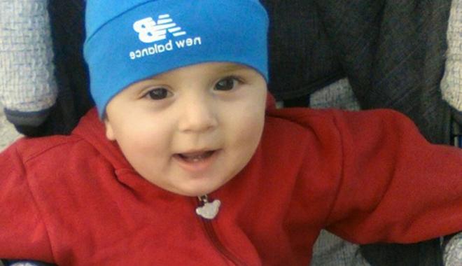 """Foto: Bebeluş, ucis de meningită. Medicii sunt din nou puşi la zid. """"Au zis  că are roşu în gât"""""""
