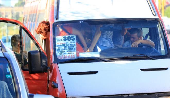 Foto: Fantomele trecutului! Sforile afacerii maxi-taxi, la Constanţa