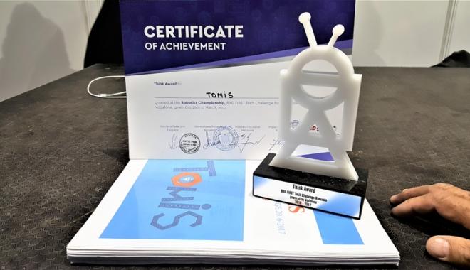 VIDEO. Mirciştii scriu istorie în învăţământul constănţean. Robotul lor a fost răsplătit cu două premii - fondmircistii3-1490801537.jpg