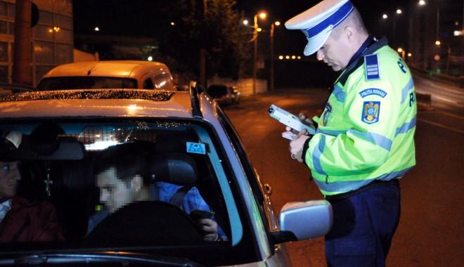 Beţia cu salată, mere verzi şi pătrunjel. Cum să îi convingi pe poliţişti că nu ai băut - fondmituri-1405360511.jpg