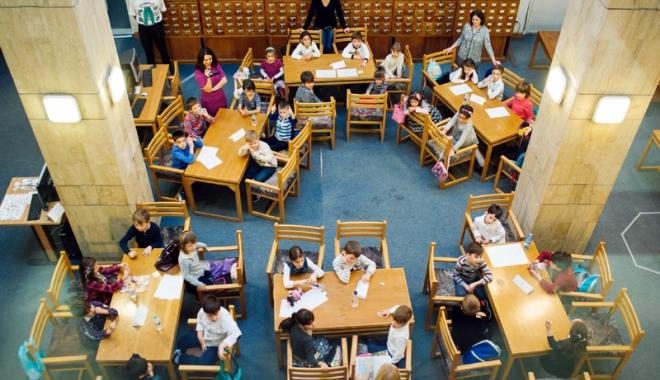 """Foto: Biblioteca """"I.N. Roman"""" îi provoacă pe constănţeni: Să petrecem… cultural până la miezul nopţii!"""