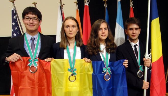 Foto: Remarcabil succes al şcolii constănţene. Ei sunt olimpicii premiaţi de Ministerul Educaţiei