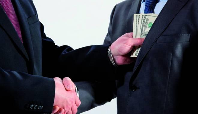 Foto: Om de afaceri, arestat la Constanţa. Cerea 500.000 euro şpagă pentru a interveni la SRI, ANAF şi magistraţi