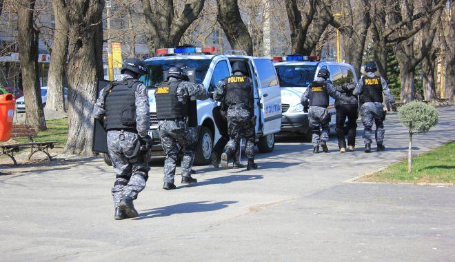 Sunt polițiștii din Constanța pregătiți pentru o luare de ostatici, precum cea de la Onești? - fondonestinegociatori1-1614797979.jpg