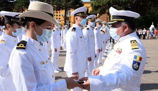 """O nouă promoţie de absolvenţi la Academia Navală. """"Am fost o generaţie norocoasă!"""" - fondonouapromotie2-1627581622.jpg"""
