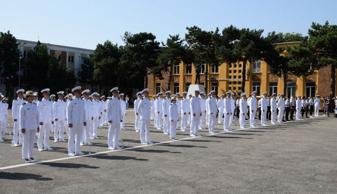 """O nouă promoţie de absolvenţi la Academia Navală. """"Am fost o generaţie norocoasă!"""" - fondonouapromotie4-1627581644.jpg"""
